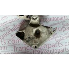 Кронштейн двигуна правий, кріплення подушки до 2007р. Renault Trafic Nissan Primastar Opel Vivaro