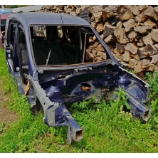 Передние части кузова (левая сторона, ланжерон) Opel Combo