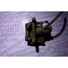 Супорт задній Renault Trafic Renault Trafic Opel Vivaro Nissan Primastar 7711135704
