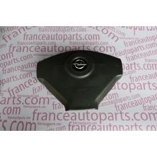Подушка безопасности водительская (AirBag) Opel Vivaro 8200136332