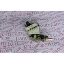Головний гальмівний циліндр Renault Kangoo Nissan Kubistar 7700417826